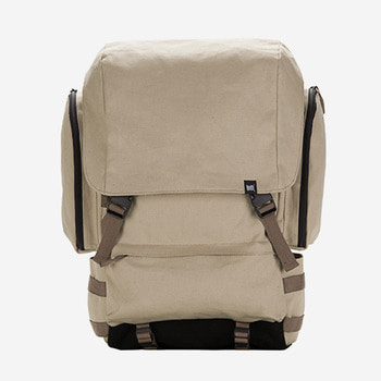 브라운브레스RESISTANCE BACKPACKBEIGE