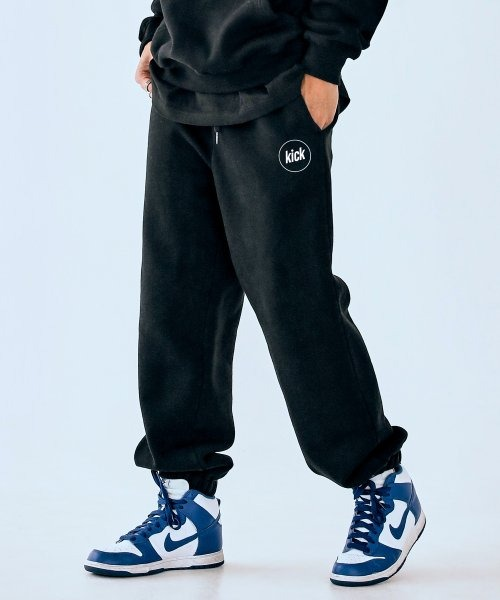 네스티킥N LOGO SWEATPANTS (BLACK)