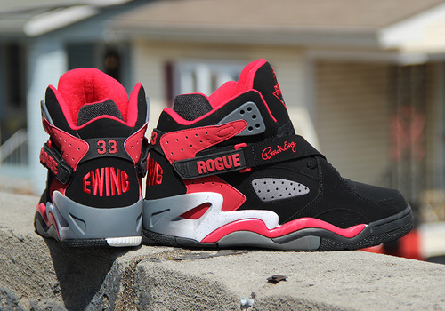 EWING ROGUE BLACK/RED