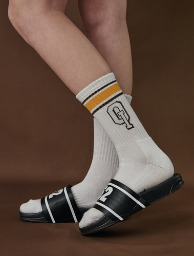 STRIPE LOGO SOCKS_mustard